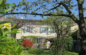 Drôme Provençale, charming 18th century manor house, 15' Montelimar