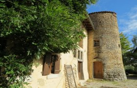 Drôme des Collines, great fortified 16th century house, 25' Romans