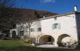 Rent Farmhouse in Drome Provencale