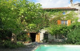 Drome Provençale, Charming and comfortable village house garden and pool