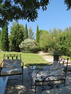 Gard, beautiful restored village mas, 15' Uzes